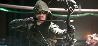 Stephen Amell comenta sobre cinema e TV da DC.